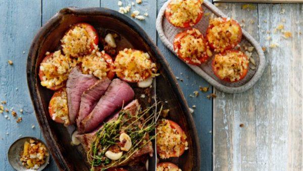 Rosbief met rösti-tomaten en knoflook-tijm jus