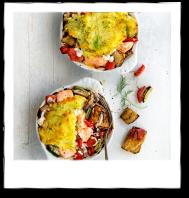Mediterrane ovenschotel met gegrilde groenten, zalmfilet en dillepuree